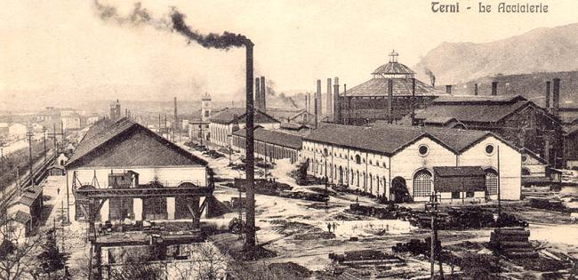 La citt dell 39 acciaio due secoli di storia operaia di for Due case di tronchi storia