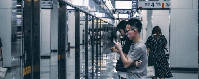 """""""Red Mirror. Il nostro futuro si scrive in Cina"""" di Simone Pieranni"""